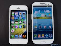 Apple iPhone and Samsung Galaxy S3
